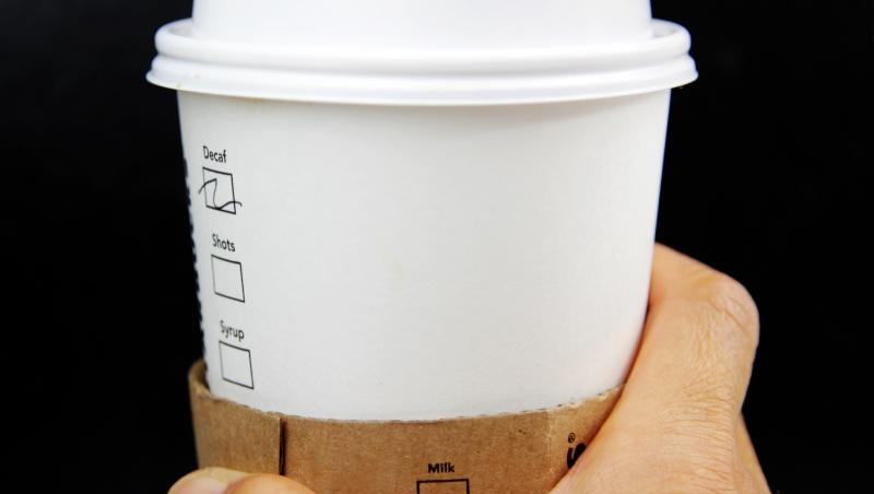 一杯「特大杯」星巴克是上限!研究證實:每天攝取超過400毫克咖啡因...恐致DNA損傷、憂鬱症