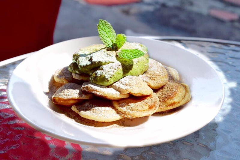 疊起來比漢堡厚、奶油上灑滿珍珠...誰說鬆餅吃起來都一樣,5家網友最愛的特色鬆餅店