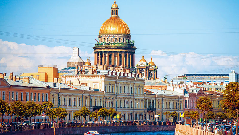 高102公尺的聖以撒大教堂,是聖彼得堡最大教堂。