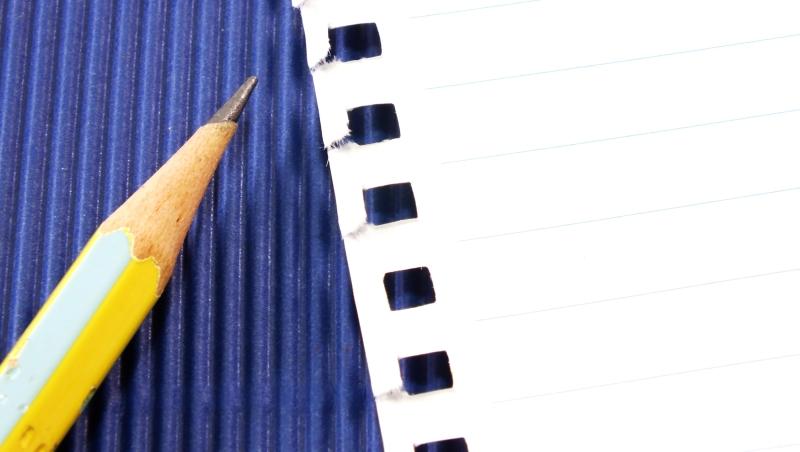 有些「美德」還是要留著!一個大學助理教授:為什麼我堅持,學生的報告都要「手寫」?