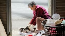 80歲老人拚命送報悲歌》「一旦無法工作,只有死路一條!」這是個老人無法生存的社會