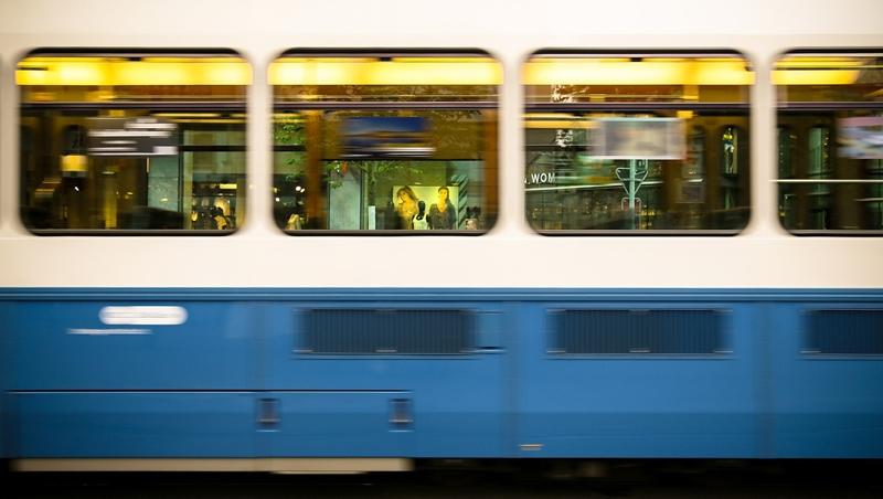 出差時急著離開「趕火車」,別說rush a train!10個容易直接「中翻英」的錯誤說法