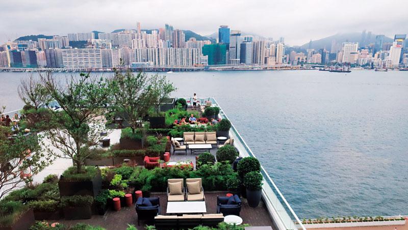 旅店每間餐廳都有寬敞的戶外空間,在香港前所未有。
