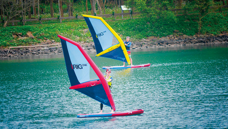 相較於傳統風帆門檻高、重量重,iRig風帆吸引更多女性玩家挑戰。
