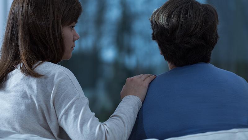 父母病重多半女兒照顧,遺產卻只留給兒子...母親啊,妳看到堅韌的女兒與「被養殘的兒子」嗎?