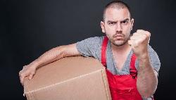 送貨越多,賺錢越少...一個目光凶狠的宅配員啟示:當市場要淘汰一個產業,就會讓最下層的人抓狂