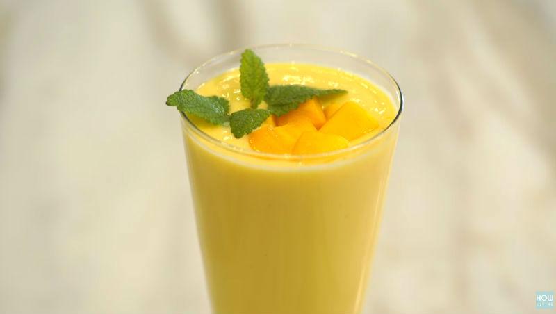夏天就是要喝「芒果奶昔」》用●●取代鮮奶油,調出低卡濃稠奶昔!