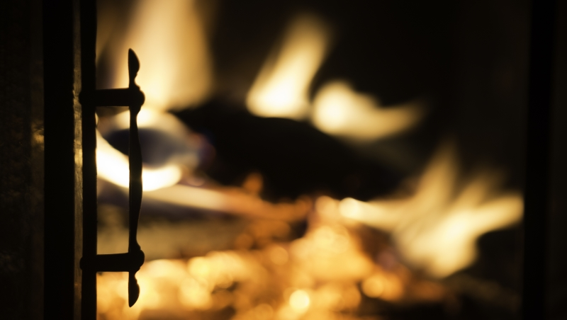 火災時「關門避難」才是對的?如果你住的地方是鐵皮屋、泥土牆、玻璃門...就不行!