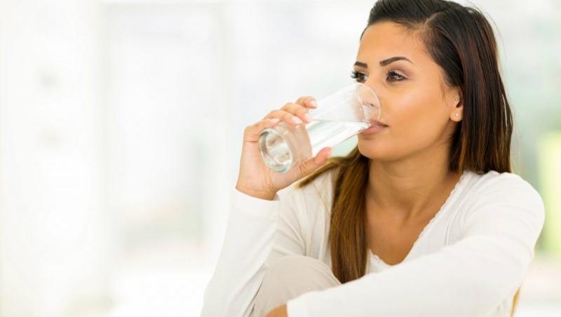 2800元一瓶的水,為什麼還能秒殺?這些賣水的公司,教我們提高自己身價的3種方法