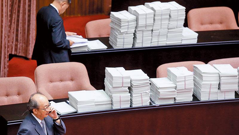 立法院預算中心經常要面對臨時的任務,如特別預算,短時間內就要生出評估報告書。