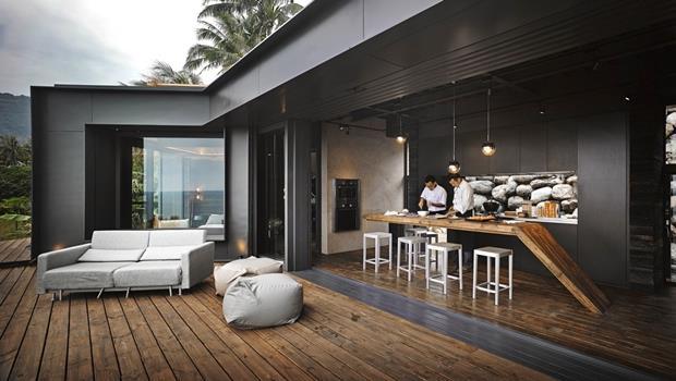 半露天廚房、露天浴池取勝!這間用石頭堆砌的台東海景別墅,獲得紅點設計金獎
