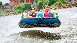 寬板滑水》快艇拖曳! 我在基隆河面飆行