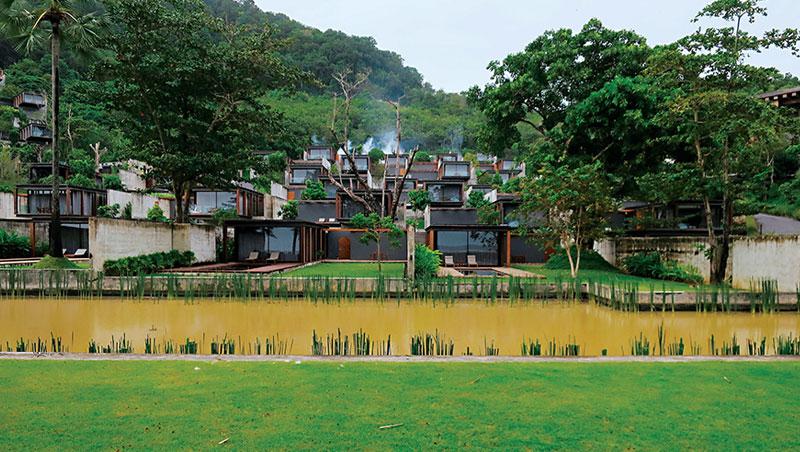 旅店表現與自然共生的理想,又不失優雅奢華,在兩者之間取得平衡。