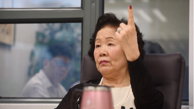 「香港鐵娘子」專訪》陳方安生沉重感嘆:回歸20年,香港商人個個低下頭,為既得利益, 說中國喜歡的話!