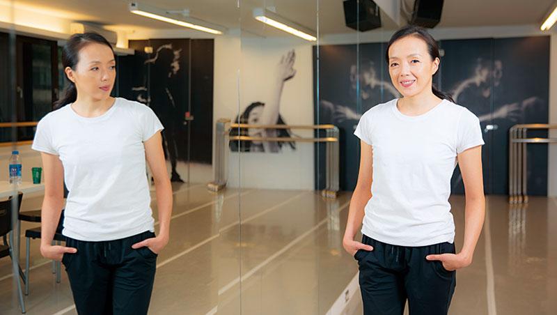 許芳宜二十八歲就站上國際舞台,成為紐約現代舞劇團「瑪莎.葛蘭姆」的首席舞者,更被譽為是美國現代舞之母葛蘭姆的傳人