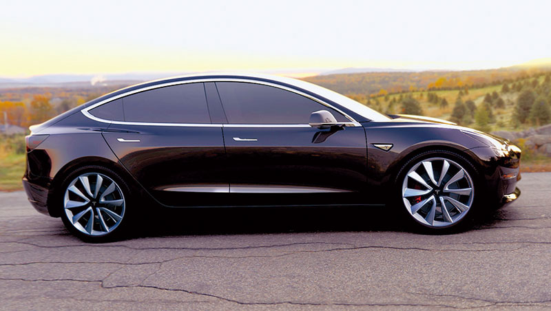 Model 3這支生力軍加入生產行列後,特斯拉希望提升明年產量至五十萬輛,二○二○年則達一百萬輛。
