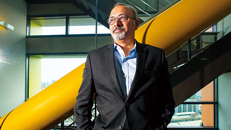 麻省理工學院機械工程學系教授、開放式課程副校長 薩瑪