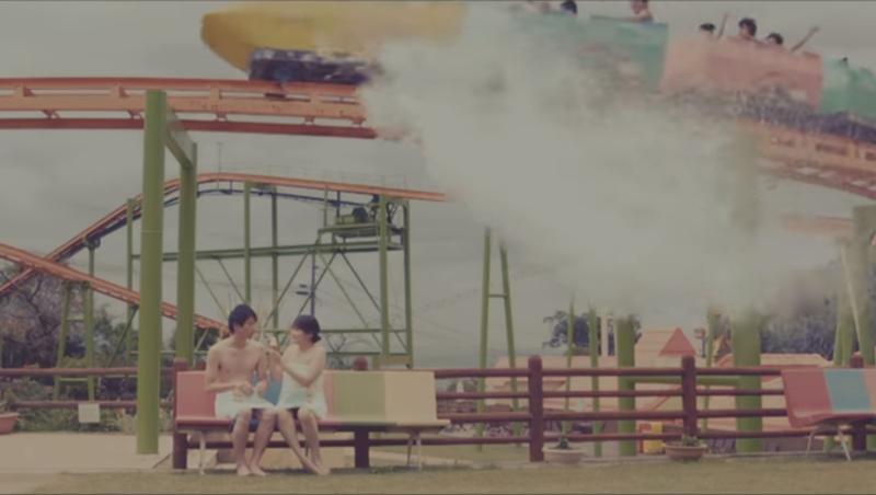 泡溫泉坐雲霄飛車、邊騎旋轉木馬邊打水仗....日本溫泉遊樂園真的實現了