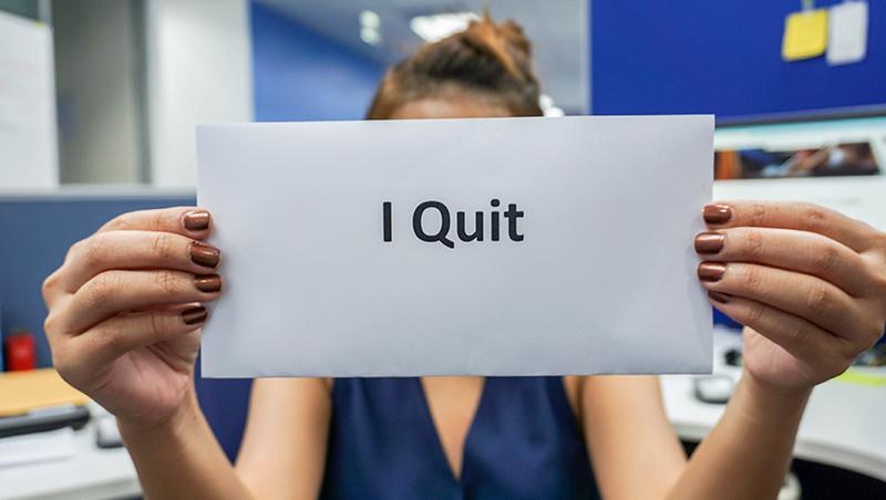 好不容易爬到經理卻不幹了!一個中年大媽反骨辭職,讓女兒休學,花半年橫渡歐亞大陸