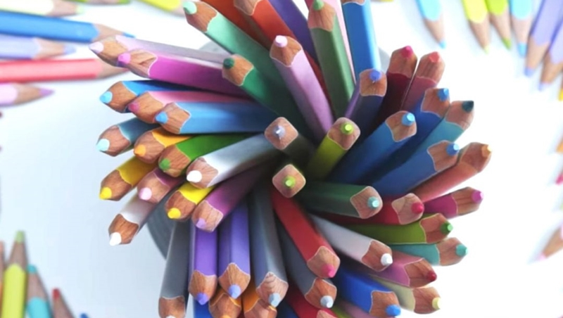 日本這套要價1.9萬台幣的彩色鉛筆,為什麼仍然秒殺?不只賣你商品還賣你「期待」