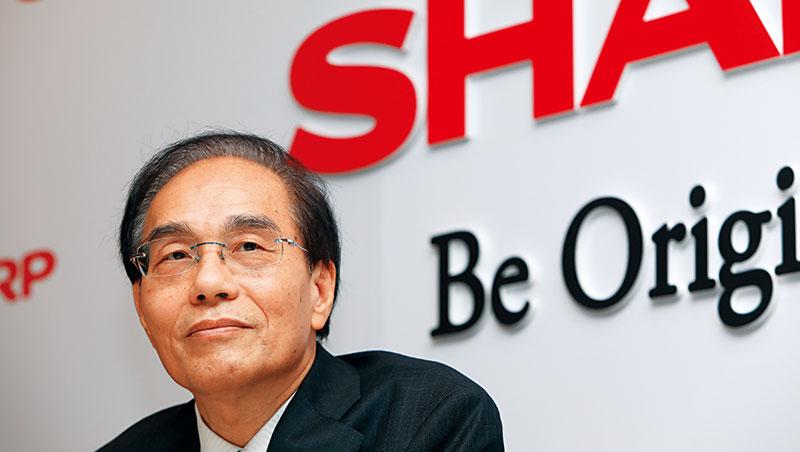 「 請鄉親多支持夏普!」戴正吳宣布親自掌管夏普全球銷售,目標將海外營收占比提升到8成。