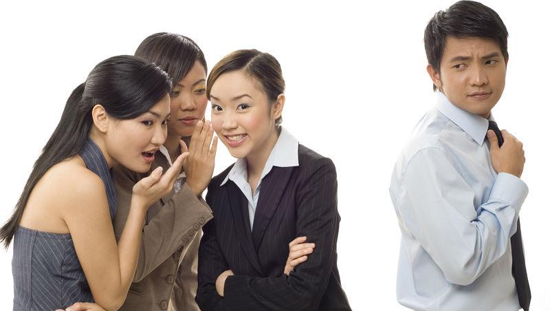 為公司賠上婚姻,業務大將卻被老闆懷疑跟同事曖昧...一個案例,看「聽說」兩字如何毀掉人才