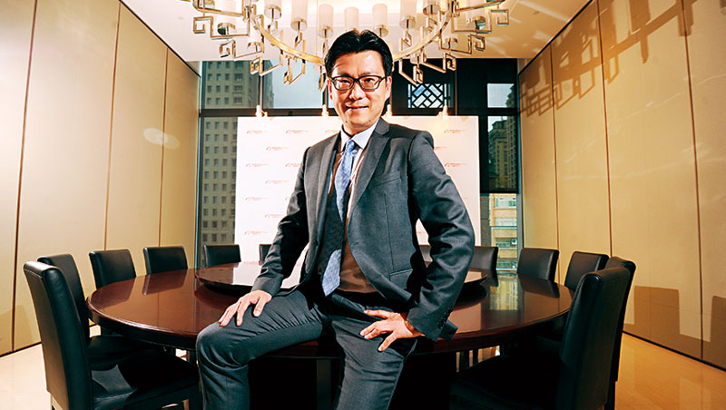 阿里巴巴行銷長董本洪透露,今年成立新部門「雲零售部」,以助實體店進行顧客偏好分析。