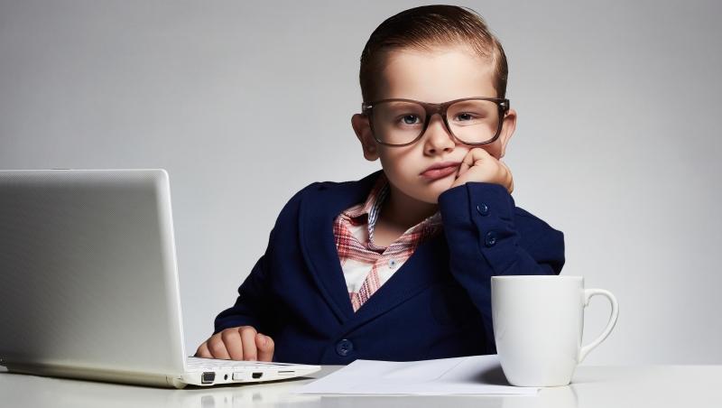 常分心、不想表達意見...7大徵兆看出你被主管「大材小用」,換工作的時候到了
