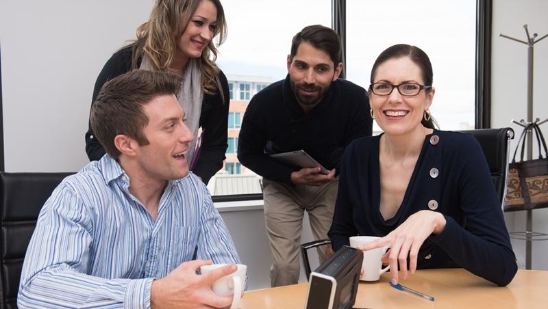 「上班是同事,下班不認識」?美國研究:公司同事變成好朋友,竟還能省成本