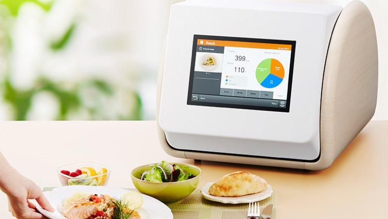 對「卡路里」斤斤計較?把食物放進日本這台小家電...10秒內得知「實際熱量」多少