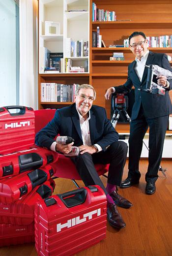 喜利得提供的服務是讓客戶埋單的關鍵,因此費雪(左)和陳建忠(右)皆視員工為最重要資產。