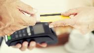 「刷卡可以累積紅利點數,比現金更划