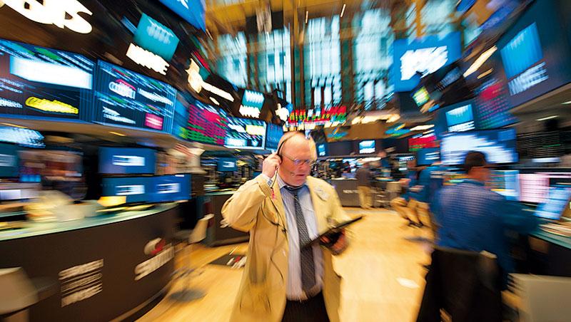 熱錢湧進亞股,首選皆大型科技股,如港股騰訊、韓股三星和台股台積電。