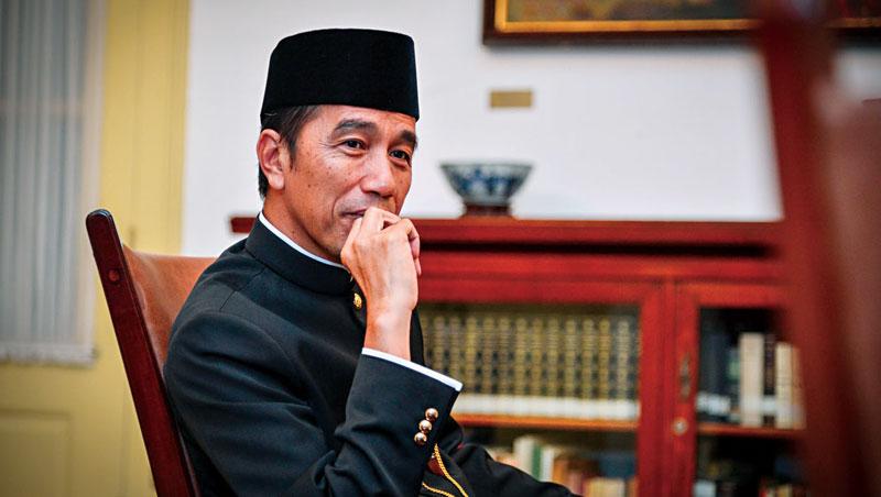 印尼總統佐科威:「我可以告訴Terry(郭台銘),只要他有興趣,我一定幫他找到土地!」