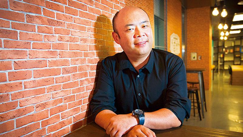 「保持獨立思考的能力,而非跟隨權威。」孫泰藏談起父親為他和哥哥孫正義上的一課,這精神,也讓兩人成為最敢顛覆傳統的日本創業家。