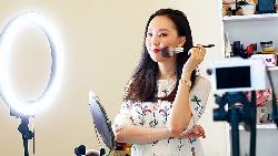 台灣第一美妝導購王 業配也敢講缺點