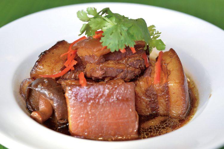 破解紅燒肉美味秘訣》傳統做法的豬皮又軟又爛…想做出超Q彈紅燒肉,煮前記得做「這件事」