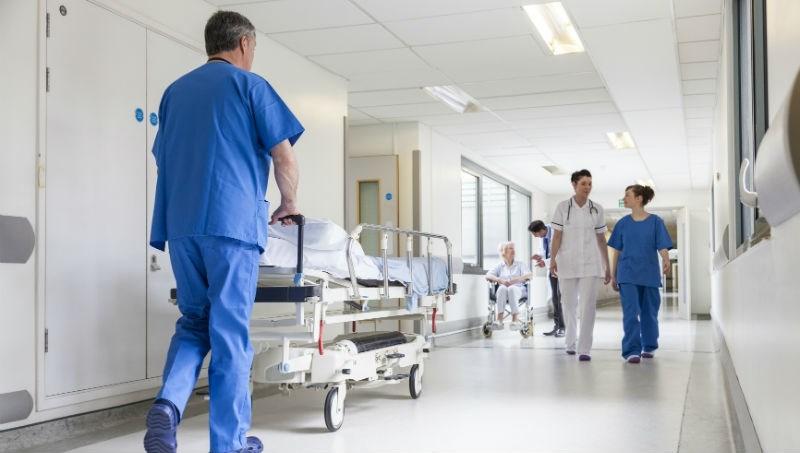 台灣人敢打醫生,在美國是天方夜譚...旅美40年,我在美國看到的醫療現場