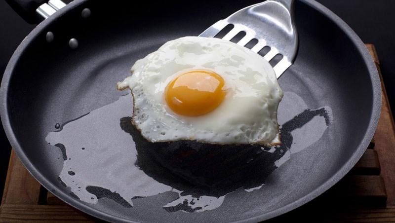 現在雞蛋到底還能不能吃?怎麼幫身體排出戴奧辛?想自保看這篇