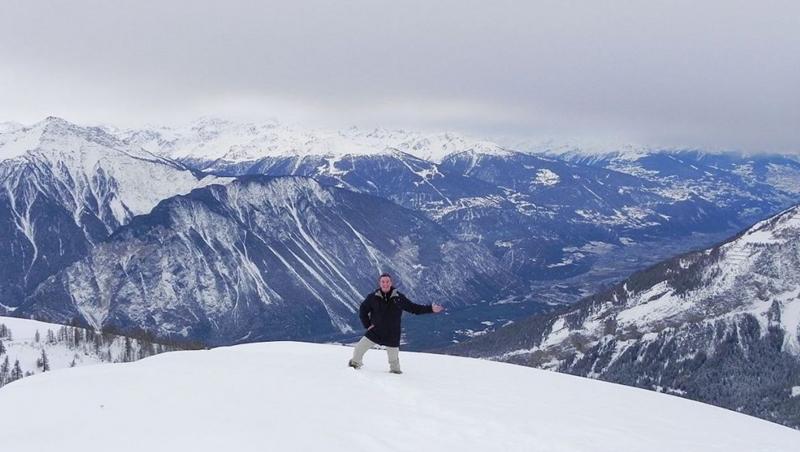 擺脫「鬼鎮」惡名!來住符合條件就發76萬,瑞士滑雪小鎮拜託大家來定居
