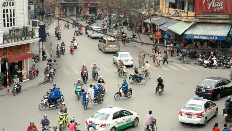 在越南台灣人習慣住廠區,韓國人規定住市區...看出為何韓國能5年打趴台灣
