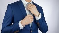 主管在會議上穿「深藍色」,原來有這層含意?5大「中性色」的穿搭秘密