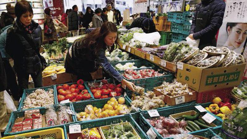 日本政府很想賺明年東京奧運至少2百萬名外國素食遊客的錢,卻難改變「無素日本」的料理、飲食觀。