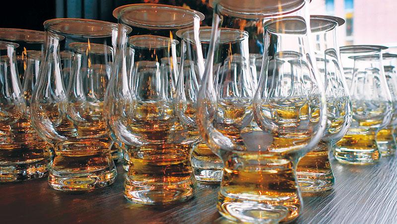 「Whisky Live」是世界性的威士忌展覽活動,由英國《Whisky Magazine》擁有者於2000年一手創立,首年分別在倫敦和東京舉辦。經過長年發展,目前版圖擴及六大洲、數十個城市。「Whisky Live Taipei」始於2009年,自首屆起,從規模到入場人數都領先各國,在全球威士忌圈備受矚目。