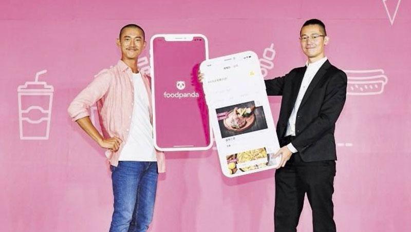 空腹熊貓找來男星吳慷仁(左)打品牌,台灣董事總經理方俊強(右)說:「台灣只有近2成餐廳做外送,表示還有8成的大市場!」