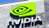 NVIDIA營收連四降,最佳CEO黃仁勳的麻煩到底出在哪?