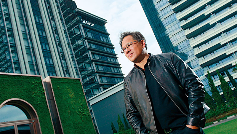 輝達要從晶片廠跨界成為軟體商,分析師看好執行長黃仁勳的轉型大計,紛紛上調目標價。