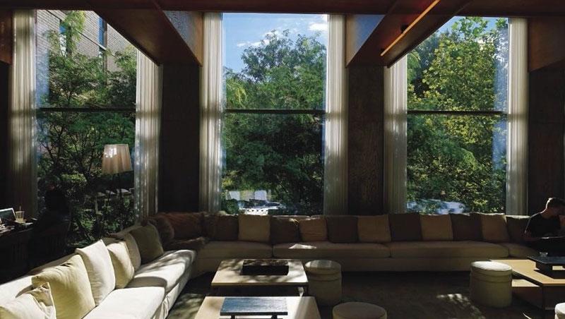 有著共享概念的交誼廳,不少人把此當作自由工作或歇息放鬆的地點。