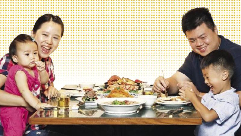 在國際麵包大賽中屢創佳績的麵包師王鵬傑,從小跟著爸爸吃喝,練就出絕佳的味蕾,到了高雄讀書、創業,品嘗美食成了他生活中不可或缺的一部分,《alive》帶你前來窺探他的口袋名單。