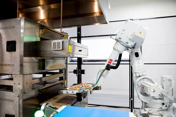 機器人做的pizza是Zume Pizza的一大賣點。